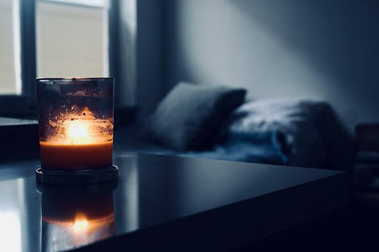 candles in bedroom for dim light