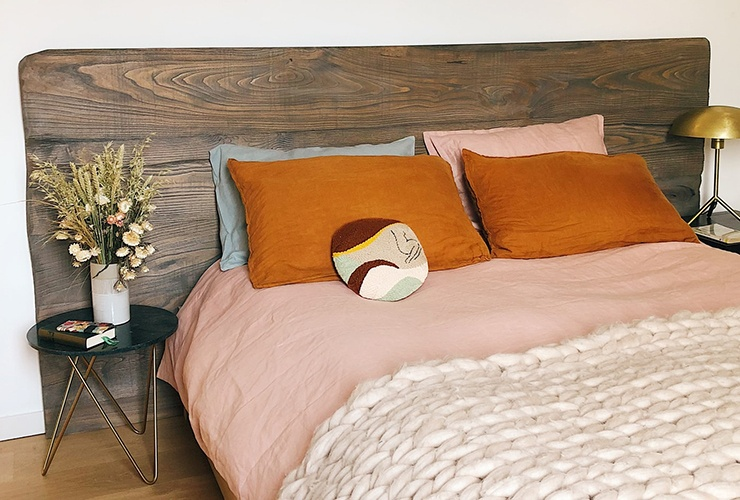 solid headboard for bedroom feng shui