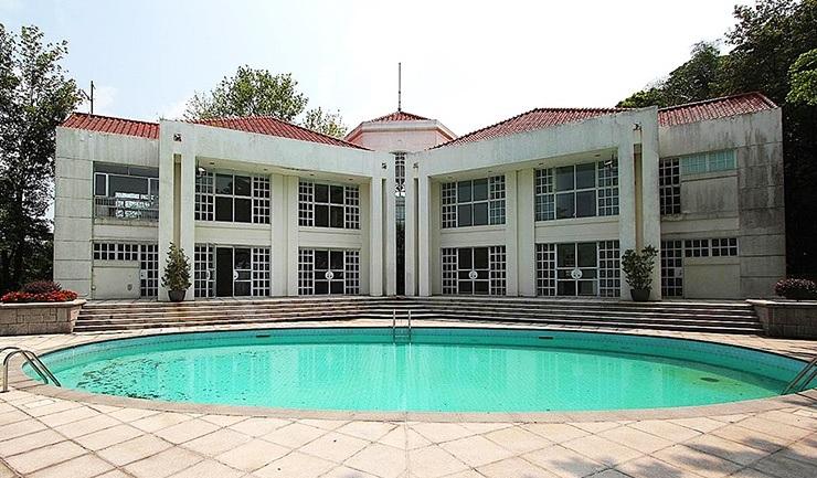 middle gap road hong kong mansion