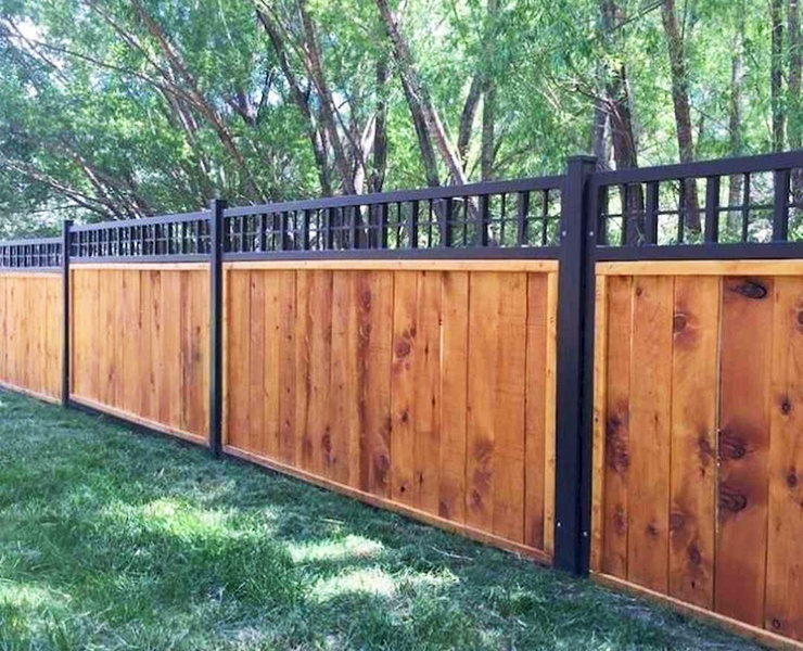 wood lattice top fence