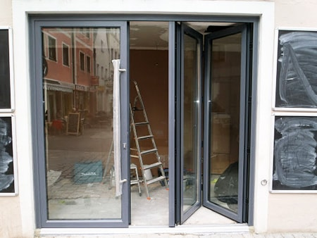 folding and accordion doors
