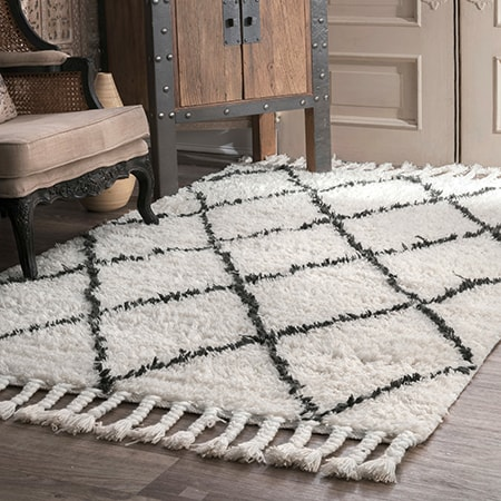Woolen rugs, also called wool rugs, are extremely durable with many design styles and colors.