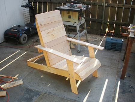 a pallet adirondack chair before staining or painting