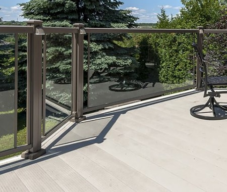 aluminum decking is a great wood alternative for your patio