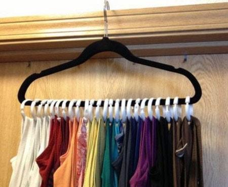 coat hanger to hang curtain