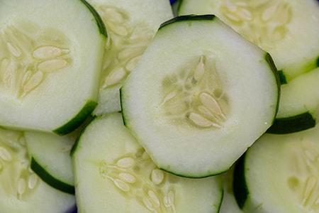 storing cut cucumbers