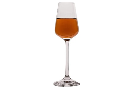 dessert wine glass are tiny compared to the different types of wine glasses because of the drinks they hold