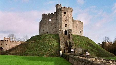 motte and bailey castles are the oldest and easily effective of the castle types thanks to using the terrai