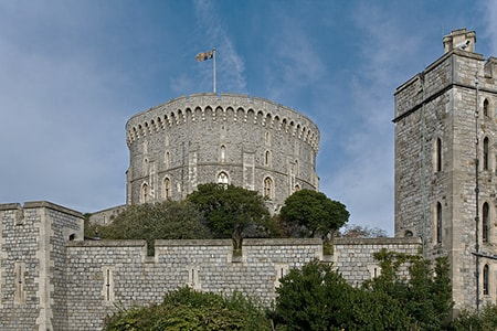 round stone keep castle are types of medieval castles that were designed to resist easy scaling of the walls