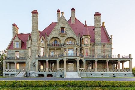 victorian castles were types of castles that were very lavish and extravagant